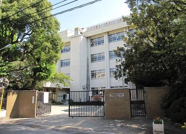 尼崎市立中学校 塚口中学校の画像1
