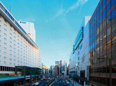 赤坂見附駅前の画像1