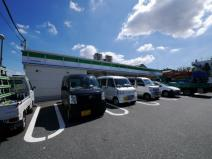 ファミリーマート 横浜影取店