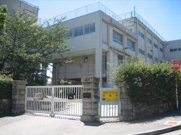 宝塚市立 宝梅中学校の画像1