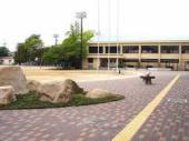 尼崎市立杭瀬小学校の画像1