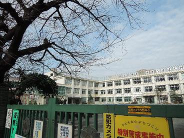 北区立 滝野川第四小学校の画像2