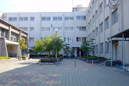 高槻市立 冠小学校の画像1