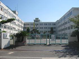高槻市立 第十中学校の画像1