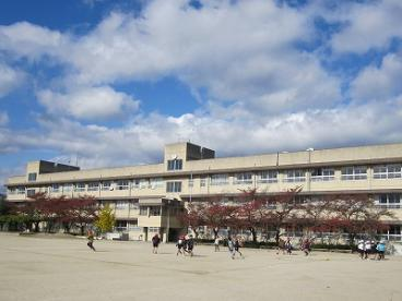 茨木市立 西河原小学校の画像1