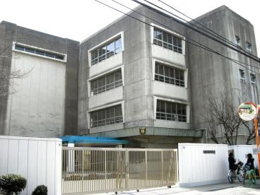 茨木市立 三島中学校の画像1
