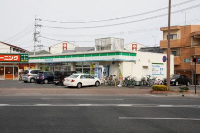 ファミリーマート学南町店の画像1
