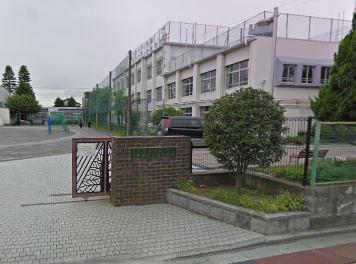 三鷹市立第四中学校の画像1