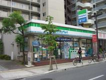 ファミリーマート 本八幡駅南口店