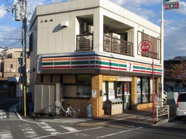 セブンイレブン 横浜峰岡町店の画像1