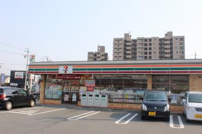 セブンイレブン 浜松自動車街店の画像1