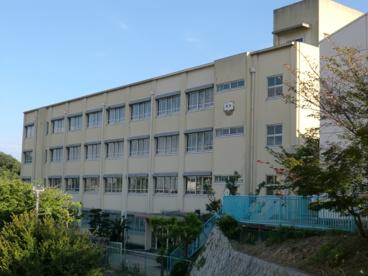 高倉台中学校の画像1