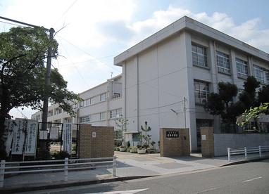 尼崎市立中学校 日新中学校の画像1