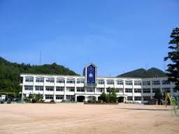三田市立藍中学校の画像1