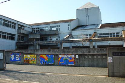 三田市立 つつじが丘小学校の画像1