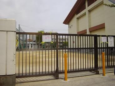 市立稲荷木小学校の画像1