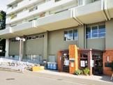 新宿区立戸山図書館