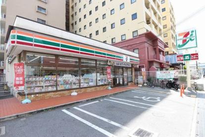 セブンイレブン江坂町2丁目店の画像1