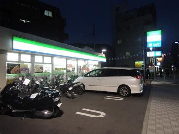 ファミリーマート「中幸町3丁目店」の画像1