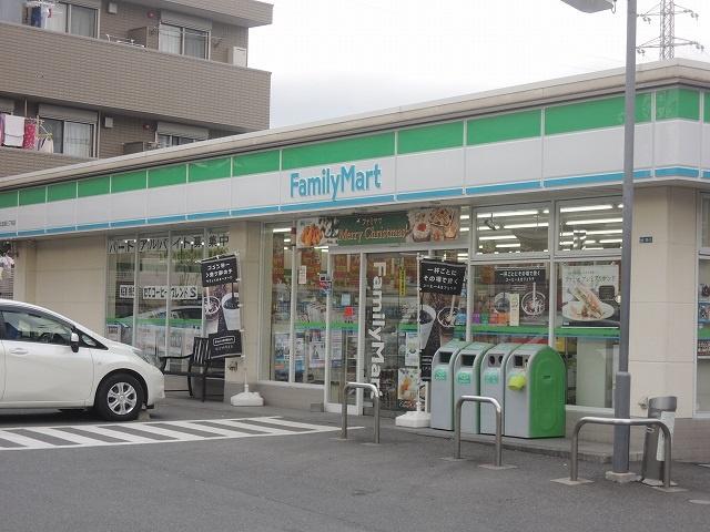 ファミリーマート「ニック北加瀬三丁目店」の画像