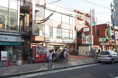 セブンイレブン 市川南行徳駅前店の画像1