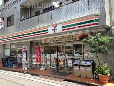 セブンイレブン 新宿東五軒町店の画像1
