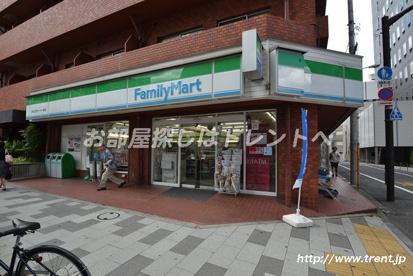 ファミリーマート 四谷区民センター前店の画像1