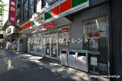 サンクス 新宿5丁目店の画像1