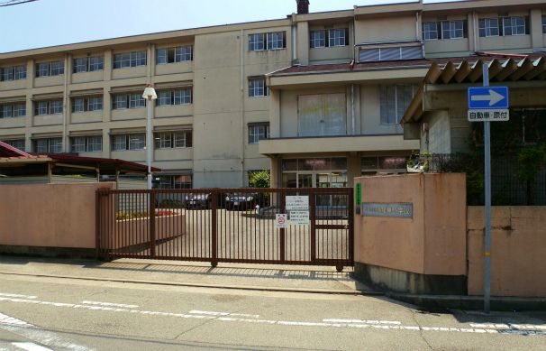 西宮市立鳴尾東小学校の画像