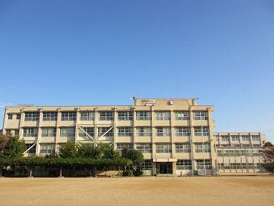 西宮市立段上西小学校の画像