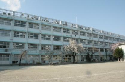 世田谷区立 三軒茶屋小学校の画像1