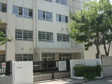 尼崎市立武庫中学校の画像1