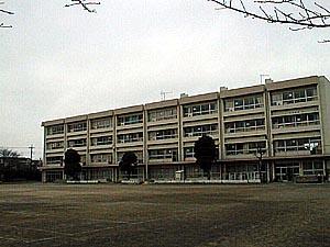 調布市立 杉森小学校の画像1