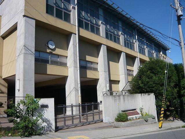 西宮市立苦楽園中学校の画像
