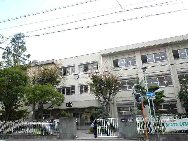 西宮市立上甲子園中学校の画像