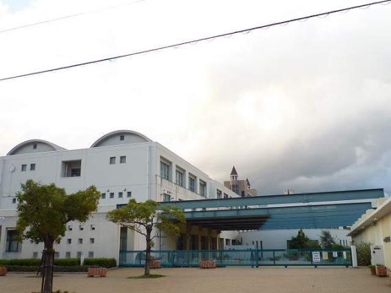 西宮市立西宮浜中学校の画像