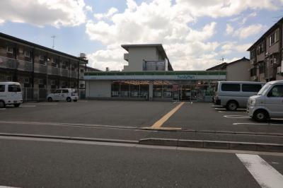 ファミリーマート西七条名倉町店の画像1