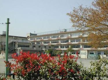 小金井市立 緑小学校の画像1