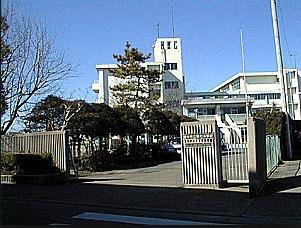 調布市立第七中学校の画像1