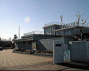 調布市立第八中学校の画像1