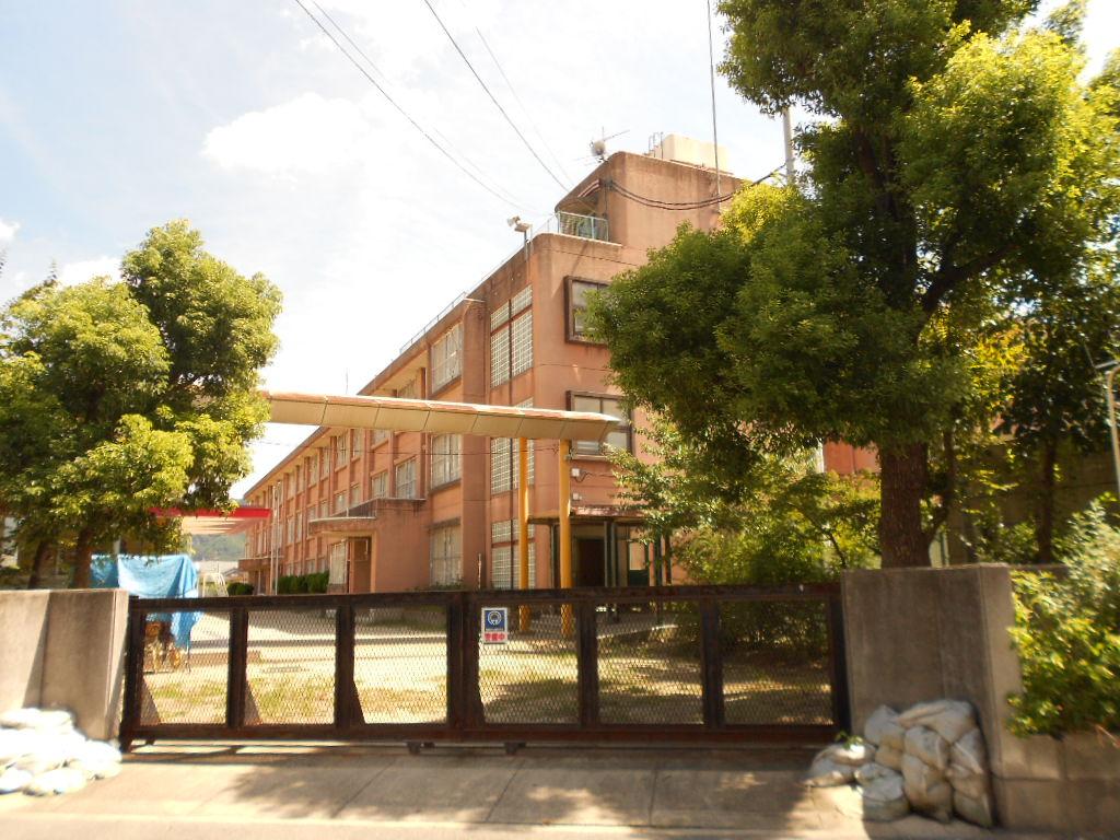 門真市立 東小学校の画像