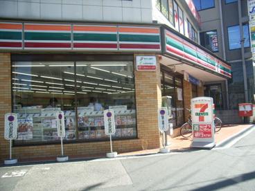 セブンーイレブン大阪東三国駅北口店の画像1