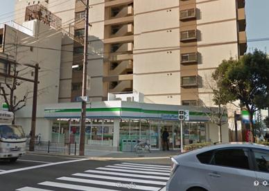 ファミリーマート江戸堀三丁目店の画像1