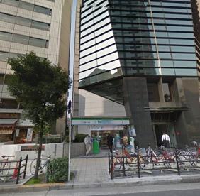 ファミリーマート江戸堀一丁目店の画像1