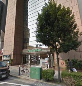 ファミリーマート北堀江店の画像1