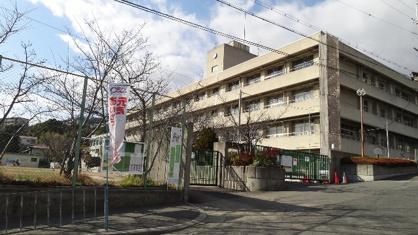 箕面市立 萱野東小学校の画像1