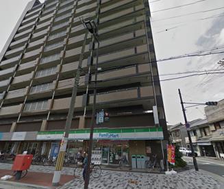 ファミリーマート九条駅南店の画像1