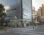ファミリーマート弁天町駅前店