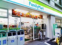 ファミリーマート北参道駅前