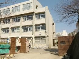神戸市立神陵台中学校の画像1